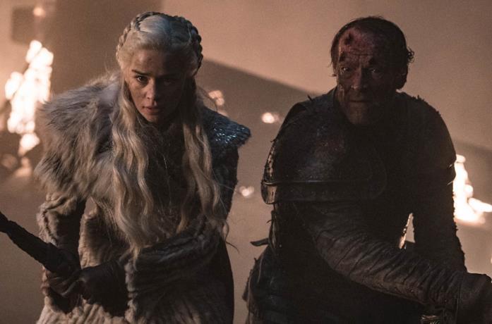 Emilia Clarke e Iain Glen in Game of Thrones 8x03