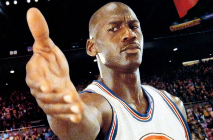 Un primo piano di Michael Jordan in Space Jam