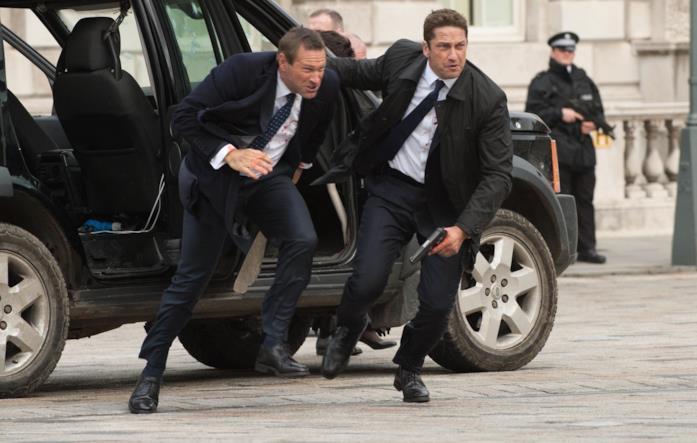 Gerard Butler e Aaron Eckhart in una scena del film