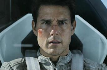 Un'immagine di Tom Cruise in Oblivion