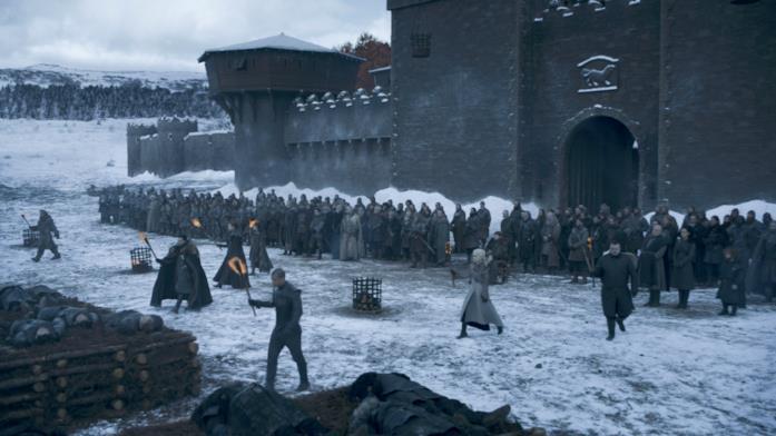 GoT 8x04: Jon e gli altri incendiano la pira fuori da Grande Inverno