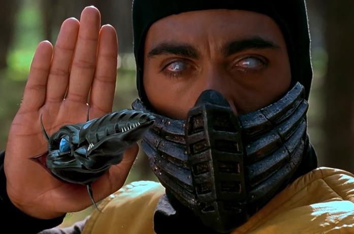 Primo piano di Scorpion in Mortal Kombat del 1995