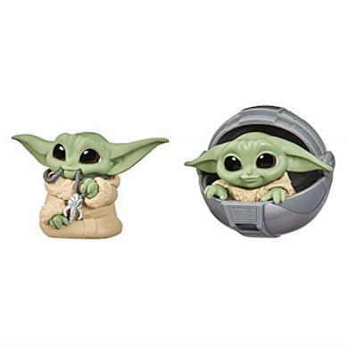 Star Wars - The Child Personaggio con Ciondolo e a Bordo di Carrozzina Volante, 2 Action Figure Baby Yoda
