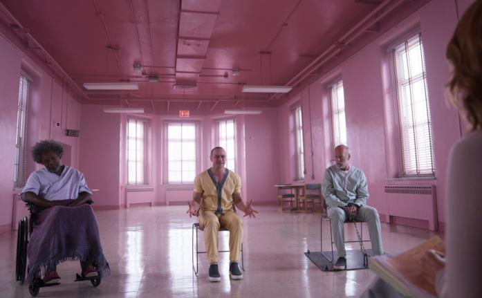 I tre protagonisti Glass in una scena del film