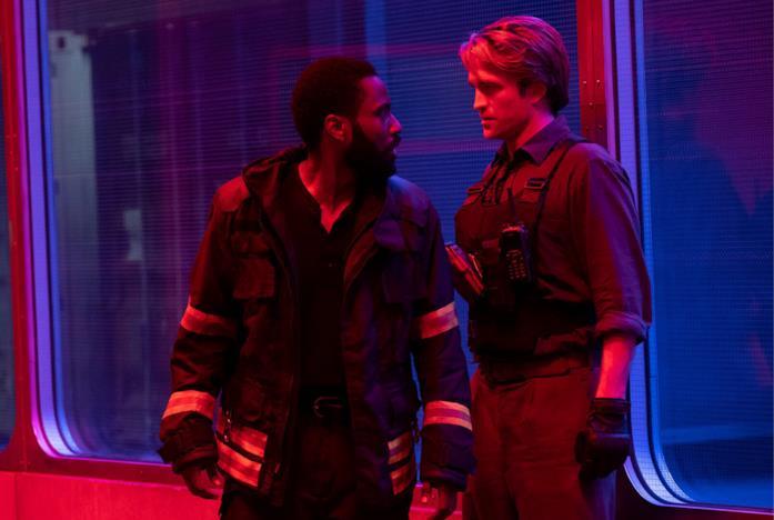 Un'immagine di John David Washington e Robert Pattinson in Tenet