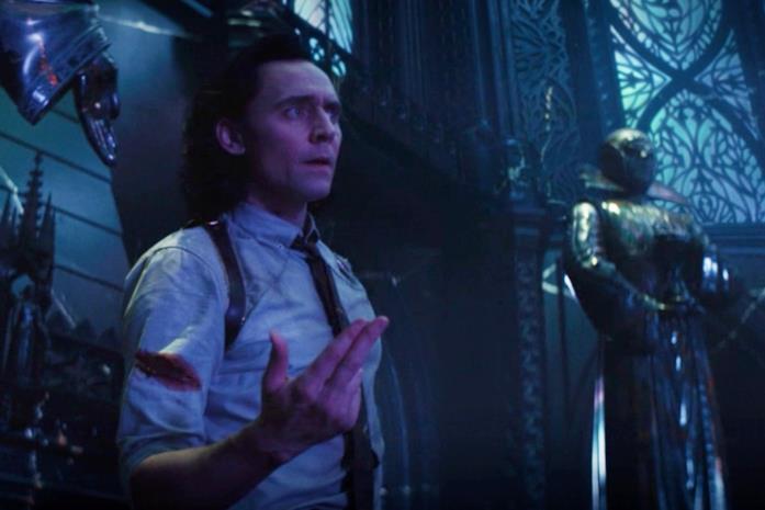Loki trova la statua in frantumi del quarto Custode del Tempo