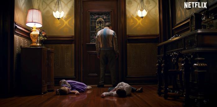 Due bambini morti sul pavimento