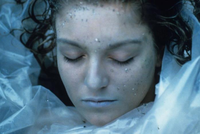 Laura Palmer avvolta nella plastica