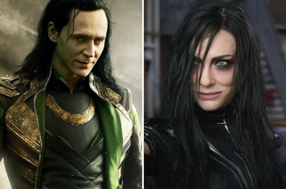 A sinistra Loki e a destra Hela, entrambi con i capelli lunghi e senza casco