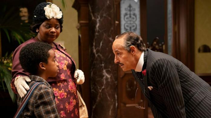 Il cast de Le Streghe in una scena