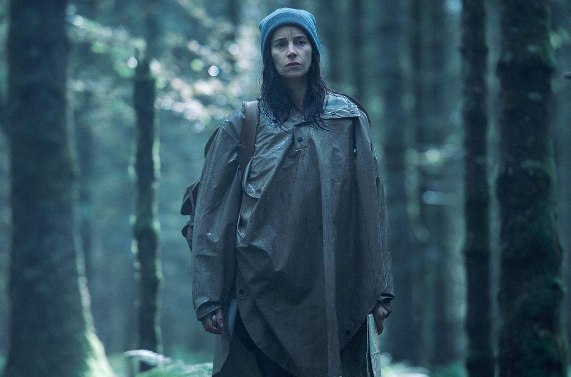 La protagonista di Black Spot nella foresta di Villefranche