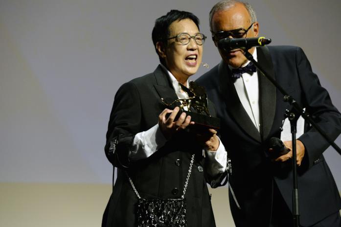 Ann Hui e Alberto Barbera sul palco di Sala Grande
