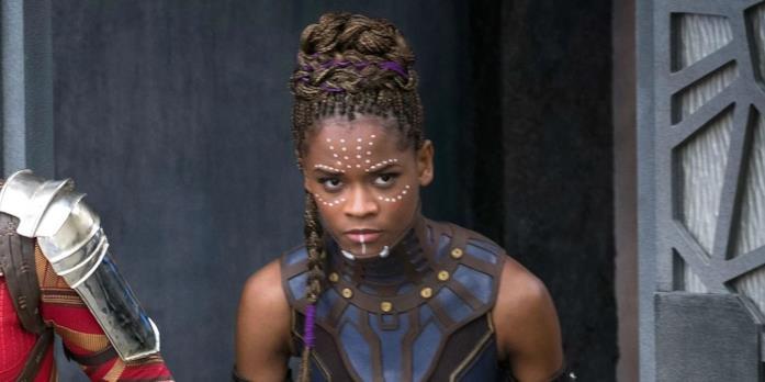 Letitia Wright è Shuri in una scena del film Black Panther