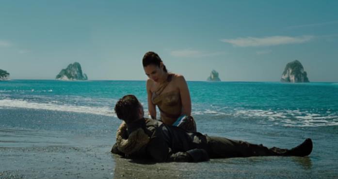 Diana e Steve sulla spiaggia
