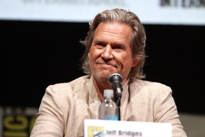 Jeff Bridges nel corso di una conferenza stampa