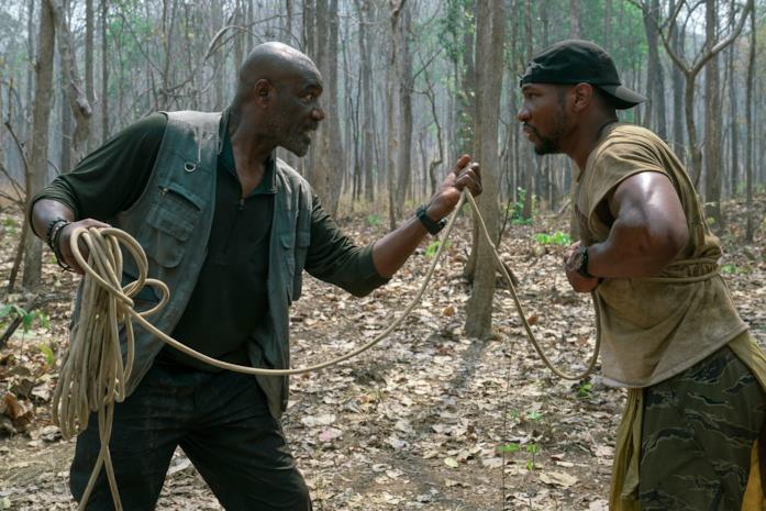 Delroy Lindo e Jonathan Majors in una scena del film Da 5 Bloods - Come fratelli