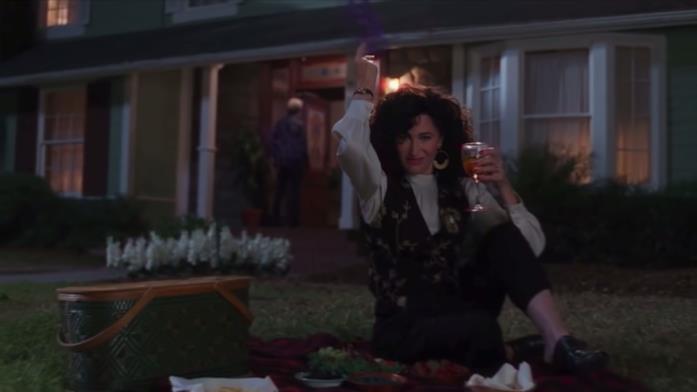 Agnes bene un drink