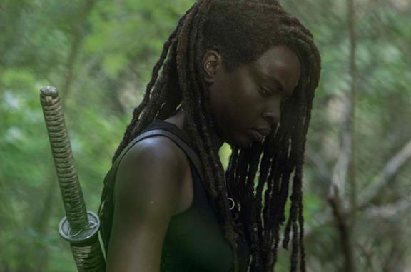 L'attrice Danai Gurira nel ruolo di Michonne in The Walking Dead 10