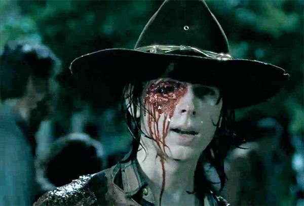 The Walking Dead: Ron spara a Carl