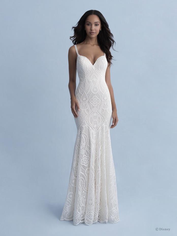Vestito da sposa Allure Bridals ispirato a Pocahontas