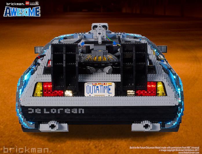 Dettagli della parte posteriore del modello di auto DeLorean di LEGO