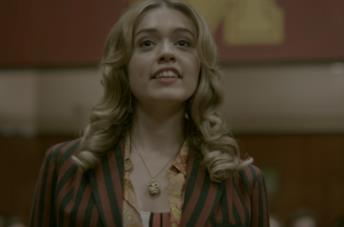 Aimee Lou Wood interpreta la studentessa Aimee Gibbs in Sex Education