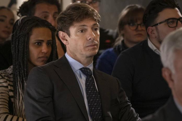 Giorgio Pasotti è Claudio