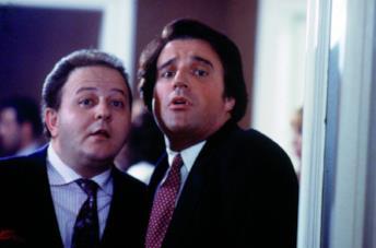 Christian De Sica e Massimo Boldi in una scena di Yuppies - I giovani di successo