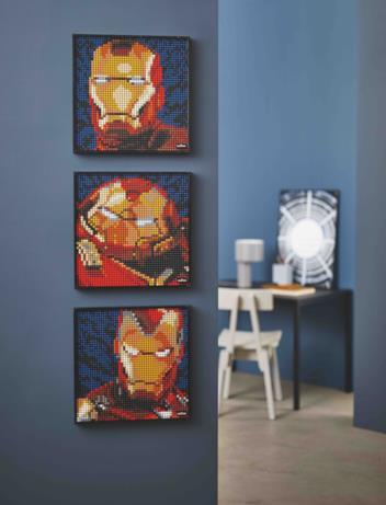 I 3 quadri di LEGO Art di Iron Man appesi al muro