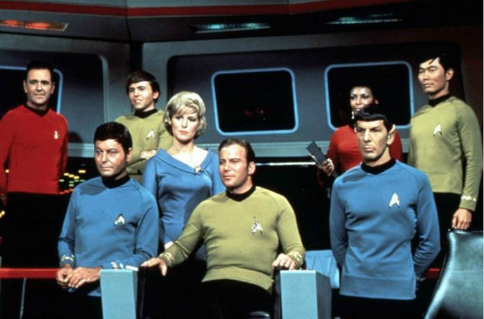 Un'immagine del cast della prima serie di Star Trek