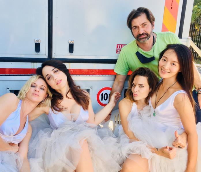 Il cast di Addio al nubilato sul set