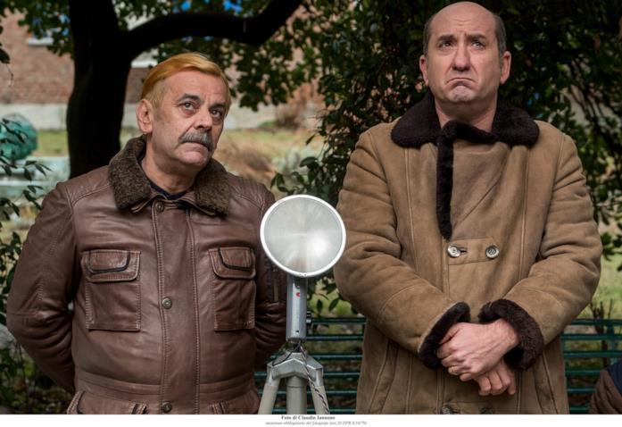 Nicola Rignanese e Antonio Albanese in una scena de I Topi 2