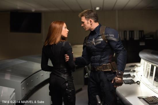 Chris Evans e Scarlett Johansson in Captain America: The Winter Soldier