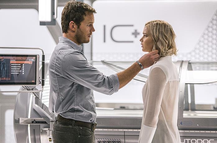 Chris Pratt e Jennifer Lawrence nel poster di Passengers