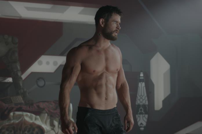 Chris Hemsworth in una scena del film Thor: Ragnarok