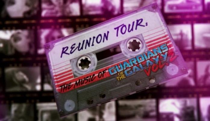 Una cassetta anni '80 con la scritta Reunion Tour