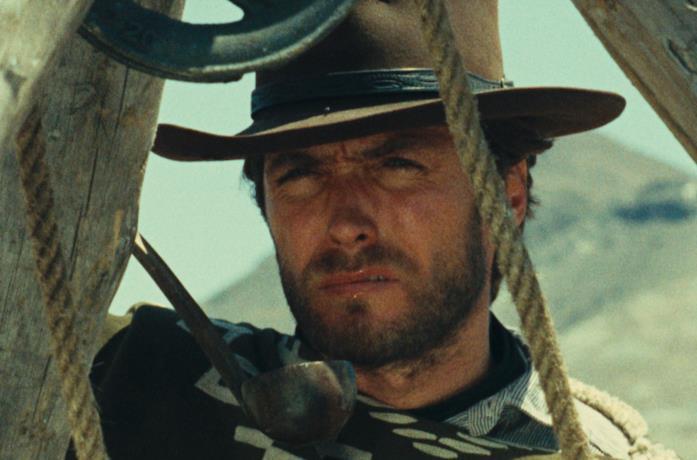 Clint Eastwood nell'incipit di Per un pugno di dollari