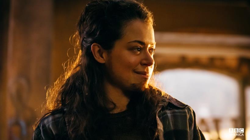 Tatiana Maslany interpreta Tony Sawicki