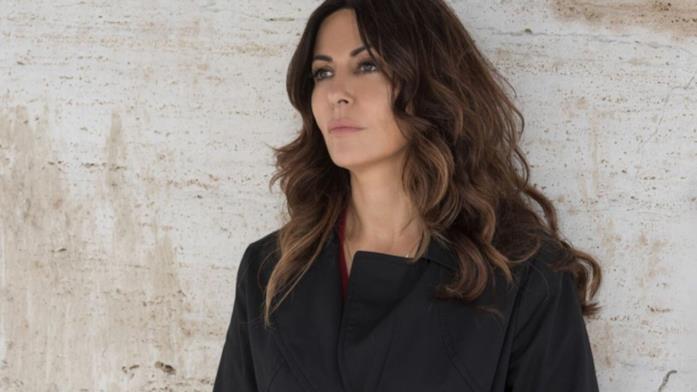 Sabrina Ferilli è la protagonista di La donna del vento