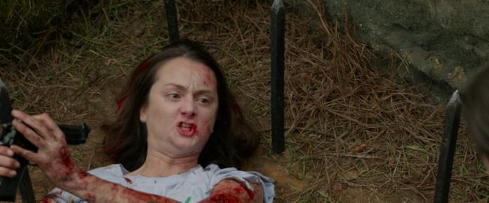 Dead Sexy finisce sbudellata uan seconda volta nella buca