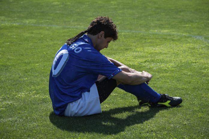 Andrea Arcangeli nei panni di Baggio ne Il Divin Codino