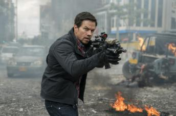 Mark Wahlberg in una scena del film Red Zone - 22 miglia di fuoco