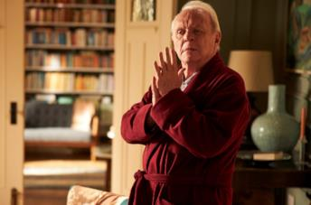Anthony Hopkins in vestaglia