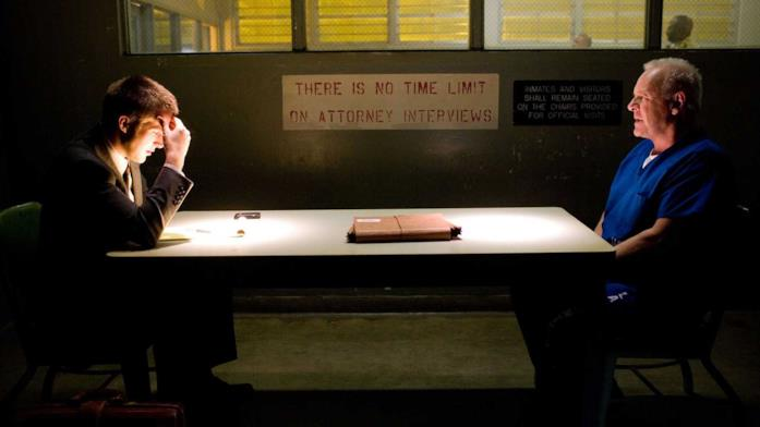 Una scena tratta dal film Il caso Thomas Crawford