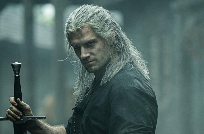 Henry Cavill nei panni di Geralt di Rivia nella serie The Witcher