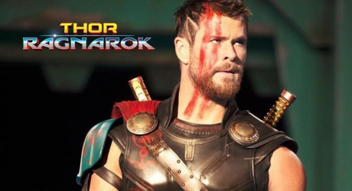 L'attore Chris Hemsworth in una scena di Thor: Ragnarok