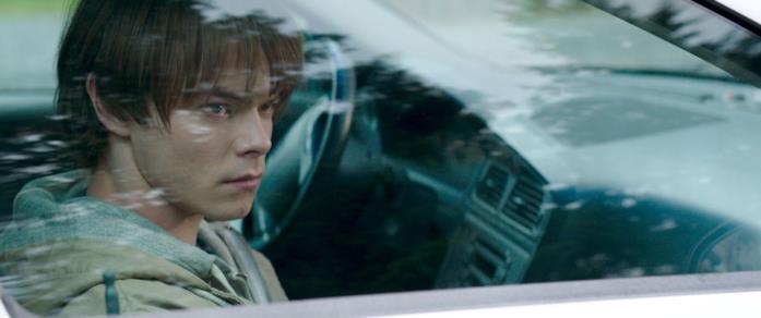 Stephen aspetta il padre in macchina
