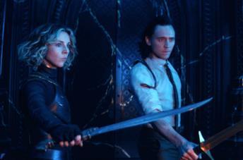 Sylvie e Loki puntano le armi contro Colui che Rimane