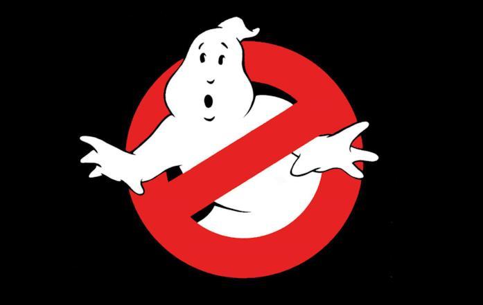 Il logo di Ghostbusters: un fantasma bianco intrappolato in un divieto rosso