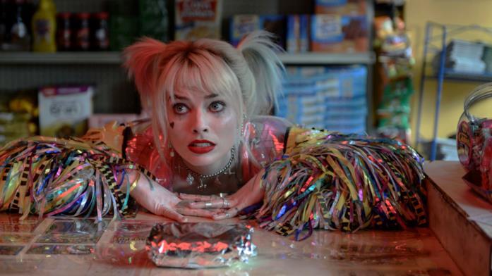 Harley Quinn attende la colazione in Birds of Prey